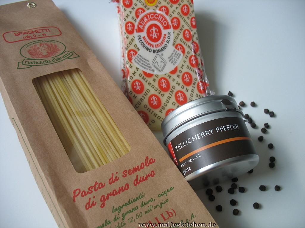 Spaghetti, Pecorino romano und Tellicherry Pfeffer