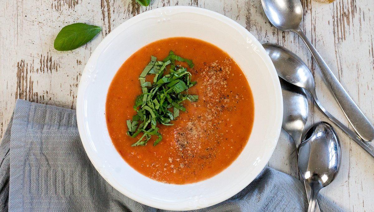 Frische Tomatensuppe nach Jamie Oliver