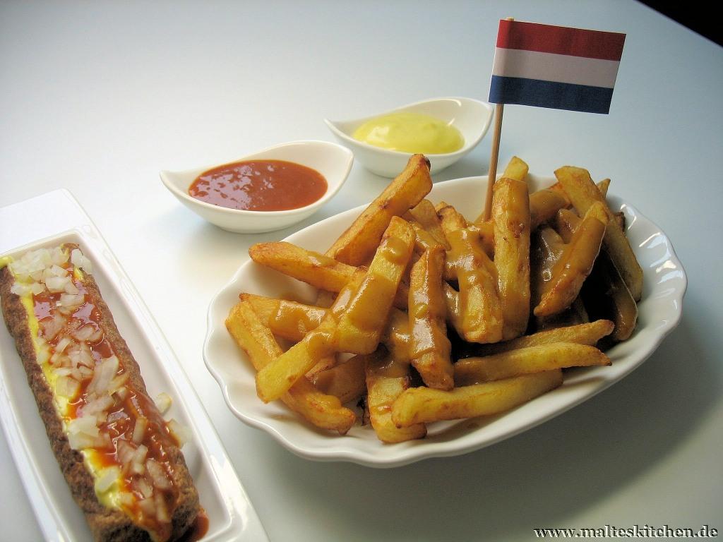 Bei jedem Besuch in den Niederlanden Pflichtprogramm - leckere Pommes und eine Frikandel.