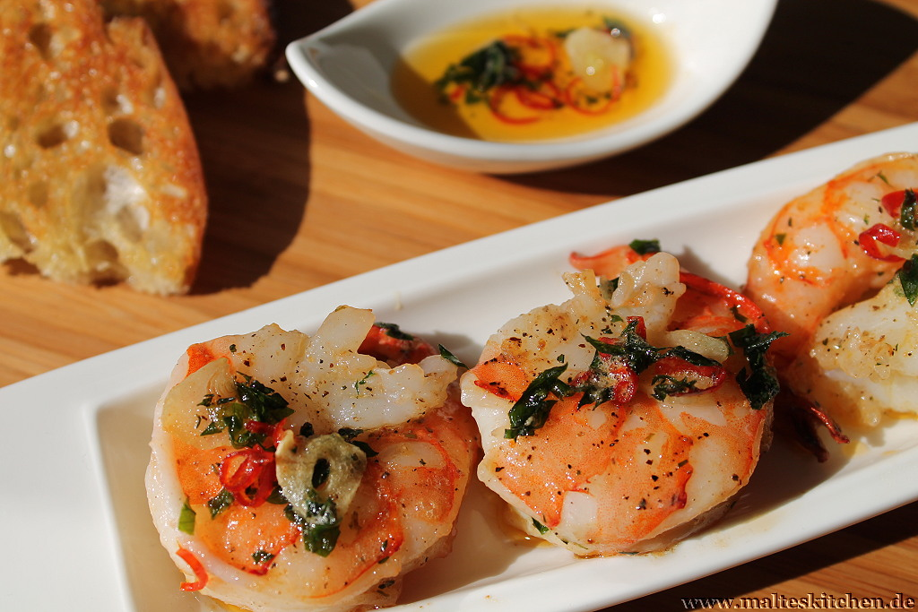 Ein wirklich richtig leckeres Essen - Garnelenpfännchen mit Knobluach und Peperoni