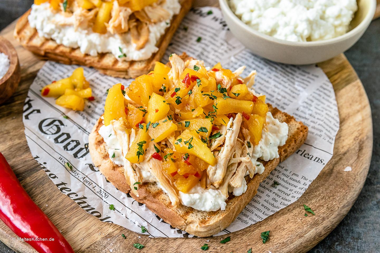 Rezept Sandwich mit Hähnchebrust, Hüttenkäse und Apfel-Chutney