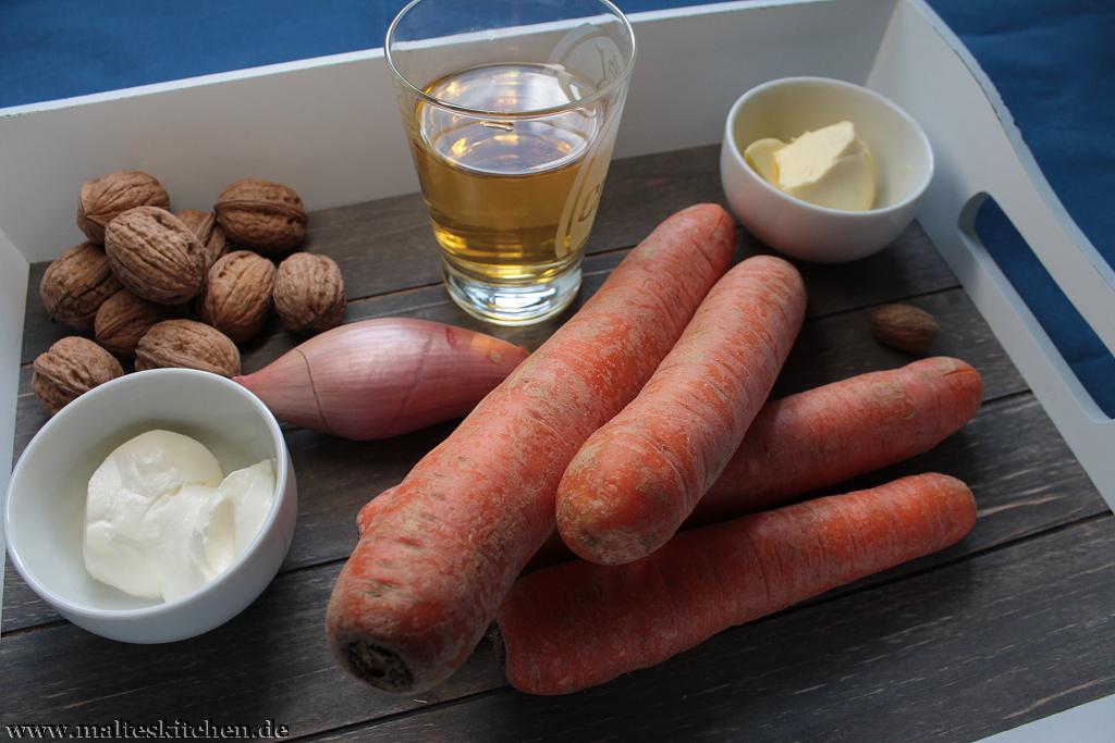 Einige Zutaten für das Möhren-Nuss-Püree.