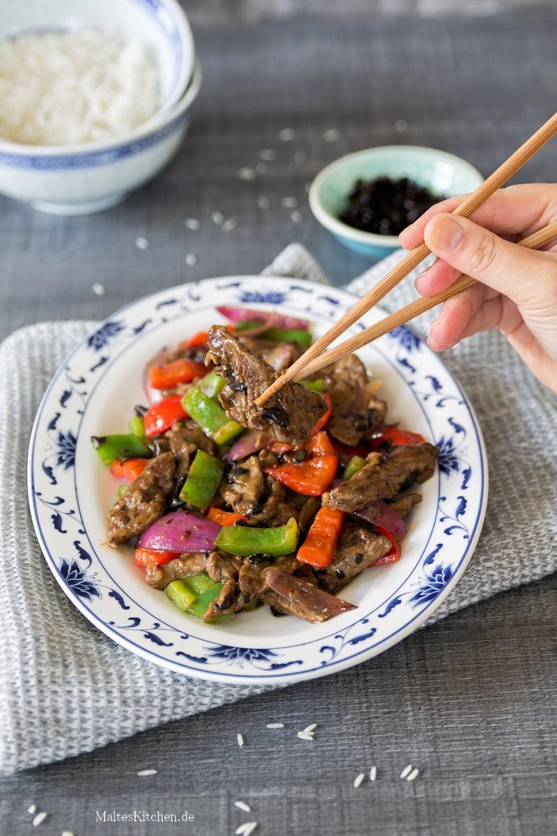 Asiatisches Rindfleisch in schwarzer Bohnensauce