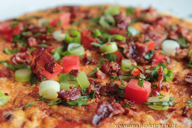 Tomatenomlett mit Bacon