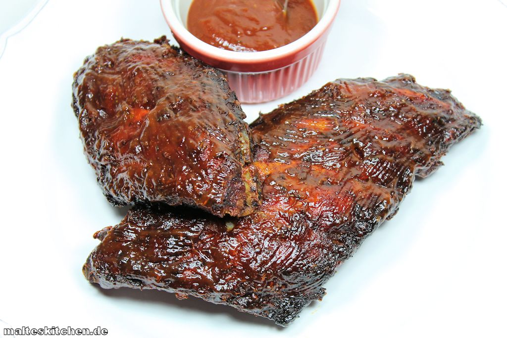 superleckere Spare Ribs vom Grill mit Barbecue-Sauce