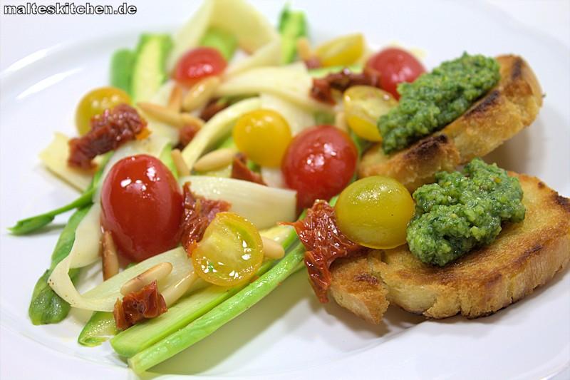 Spargelsalat mit Basilikum Pesto