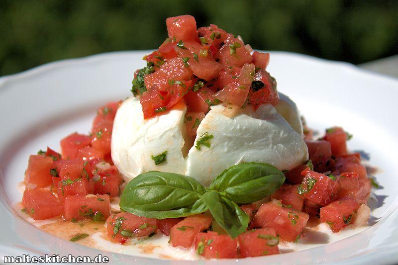 Ein sehr erfrischender Mozzarella mit Melonen-Salsa