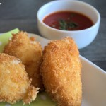 Mozzarella-Sticks mit Tomatensauce