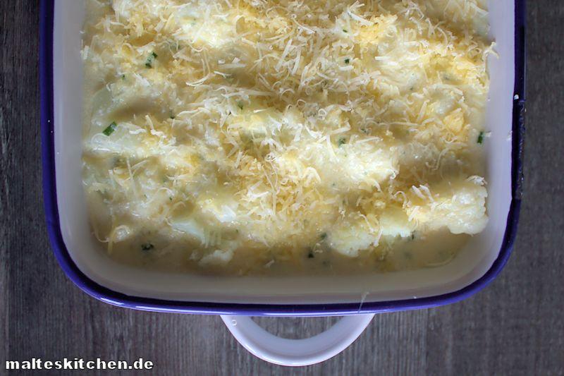 Leckerer Blumenkohl mit viel Käse überbacken