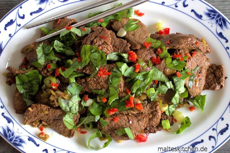 Süß und scharf mit sehr schönen asiatischen Aromen die Rindfleischpfanne von Steffen Henssler