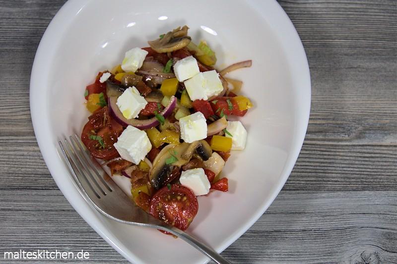 Fruchtig und erdig schmeckt der Bauernsalat nach Frank Rosin