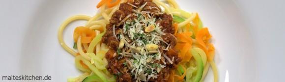 Rezept für eine schnelle Bolognese mit Gemüsenudeln