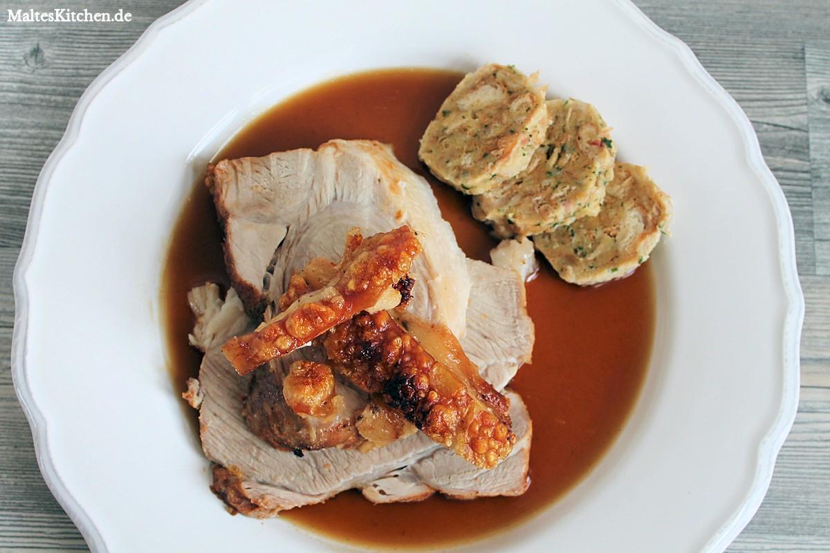 Rezept für einen bayrischen Schweinekrustenbraten mit Malzbiersauce