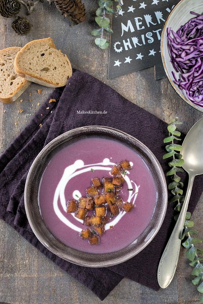 Eine farblich tolle Rotkohlsuppe nach Steffen Henssler Rezept