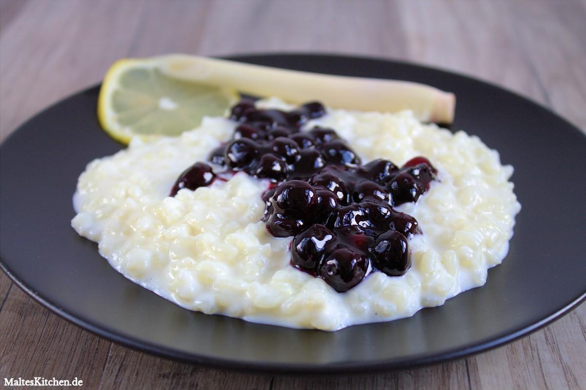 Rezept für Zitronengras-Milchreis mit Heidelbeerkompott