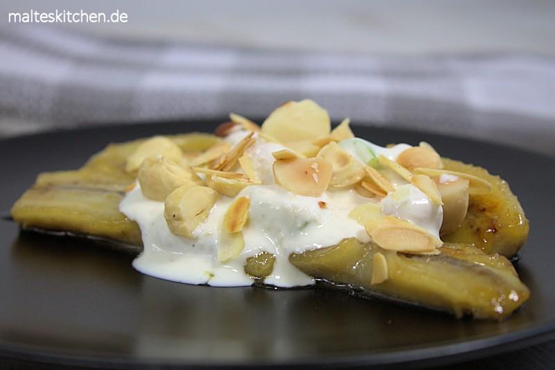 In Honig und Butter gebratenen Bananen
