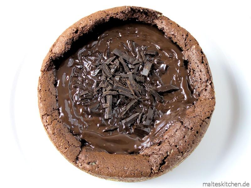 Saftiger Schokokuchen mit der vollen Ladung Schokolade