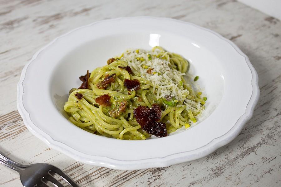 Spghetti mit Pistazienpesto & Bacon
