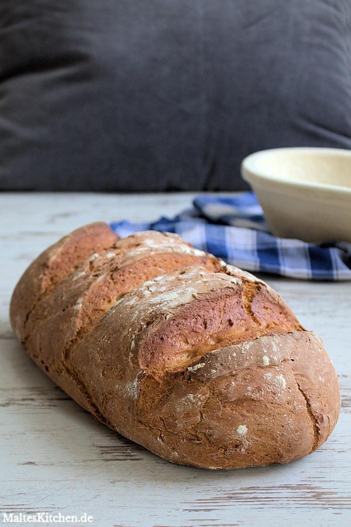 Mein erstes selbstgebackenes Brot - ich liebe das Schätzchen!