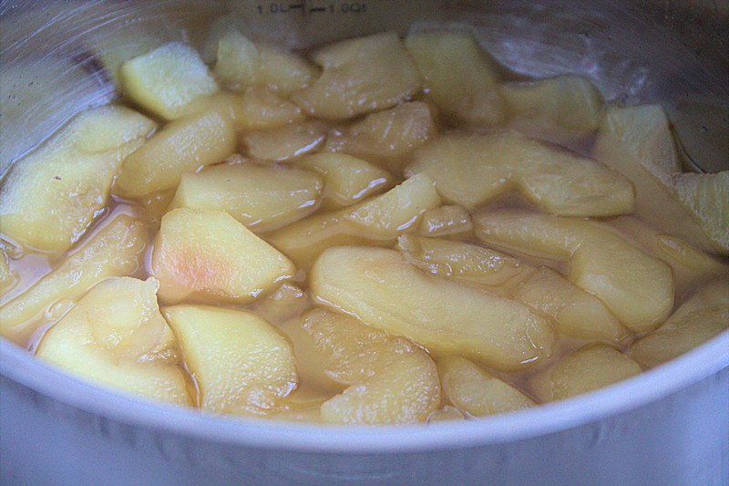 Apfelkompott mit Ahornsirup