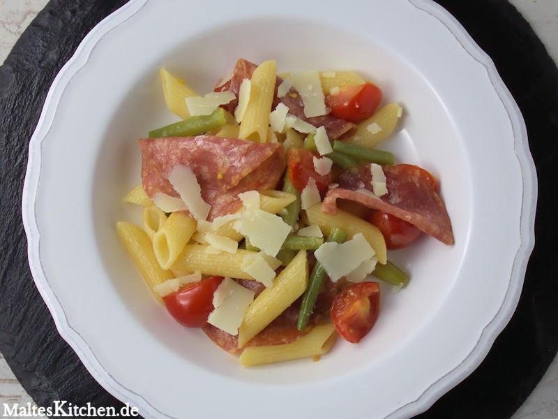 Grüne Bohnen, Kirschtomaten und Fenchelsalami - lecker!