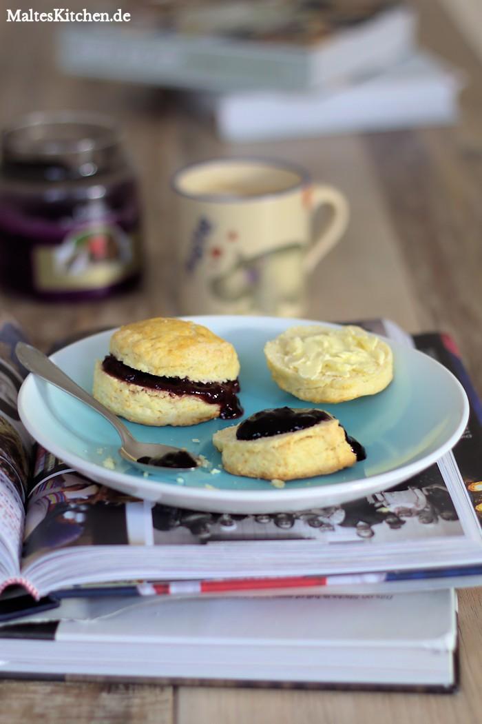 Superlecker Scones mit Marmelade zum Frühstück