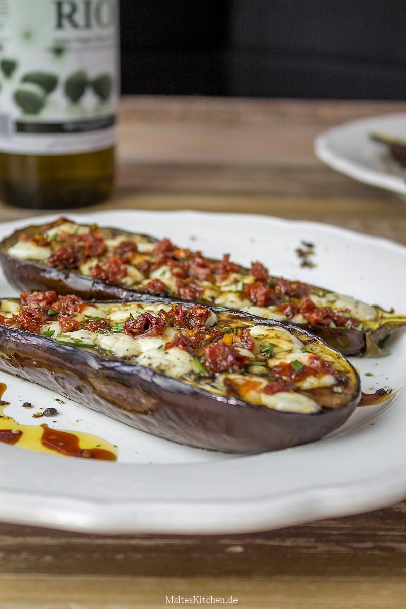 Sehr leckere gerillte Auberginem mit getrockneten Tomaten und Ziegenkäse