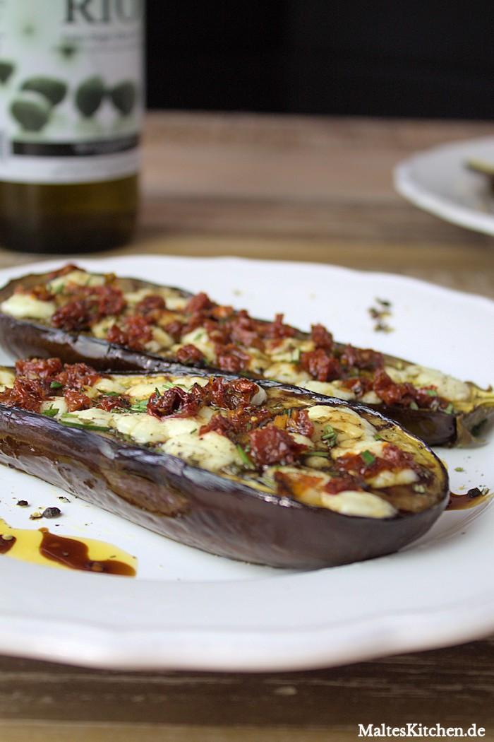 Gegrillte Auberginen mit Tomatenöl und Balsamico