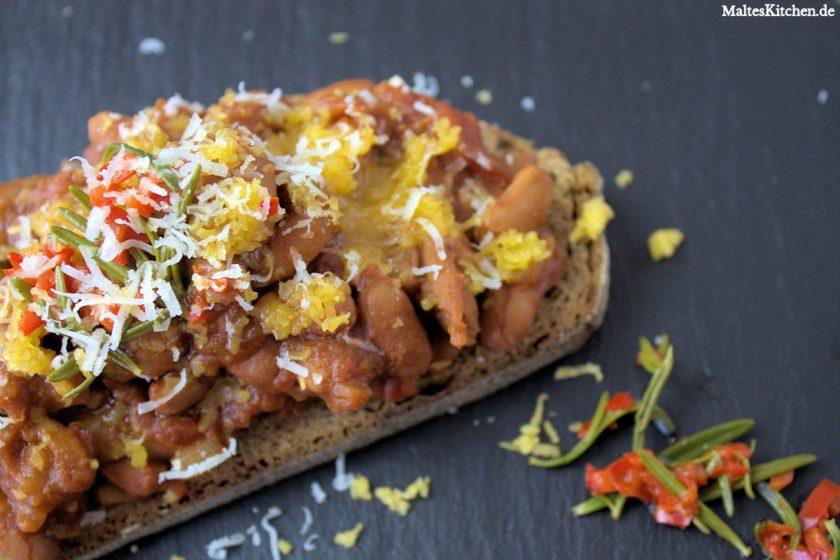 Gebackenen Bohnen, baked beans, auf geröstetem Brot
