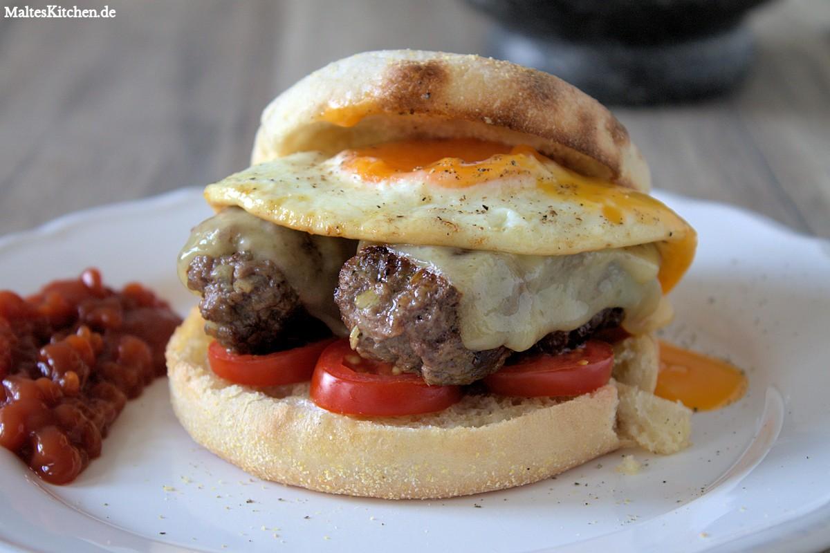Rezept Breakfast Roll mit Toasties, Rinderhack, Cheddar, Tomaten und Spiegelei