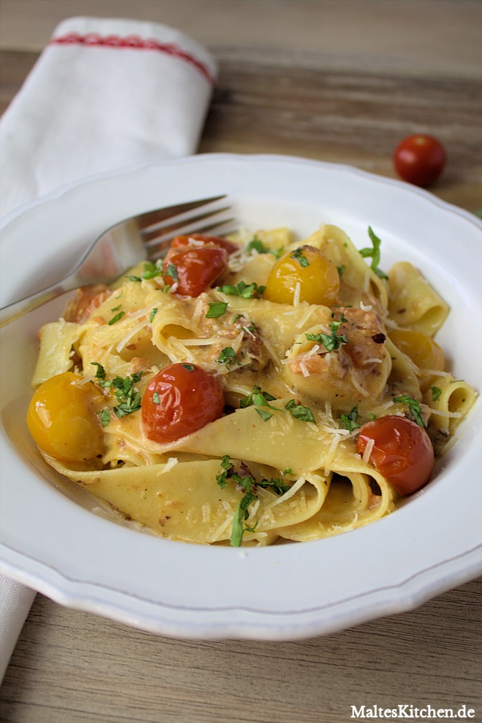 Pappardelle in Tomaten-Sahne-Sauce