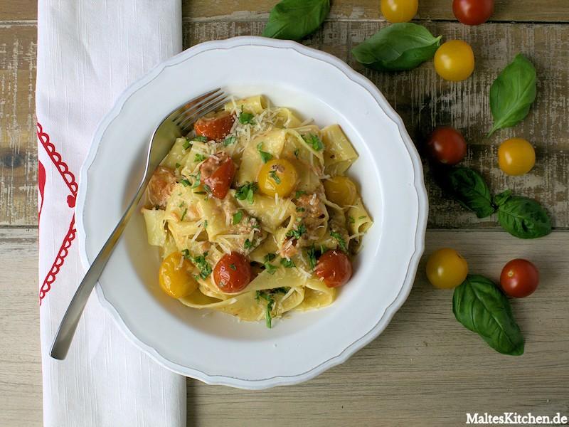 Pappardelle mit Pancetta, Tomaten und Sahne