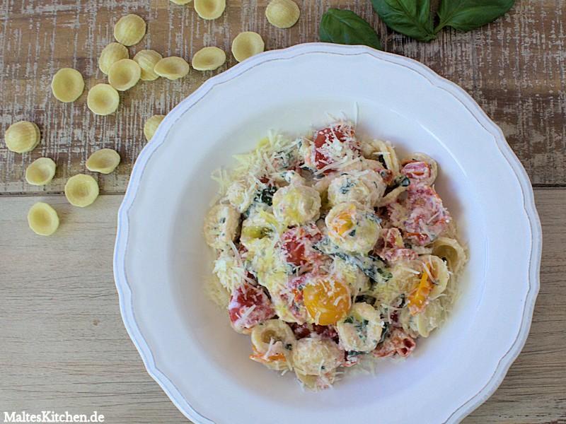Orecchiette mit Ricotta und Tomaten