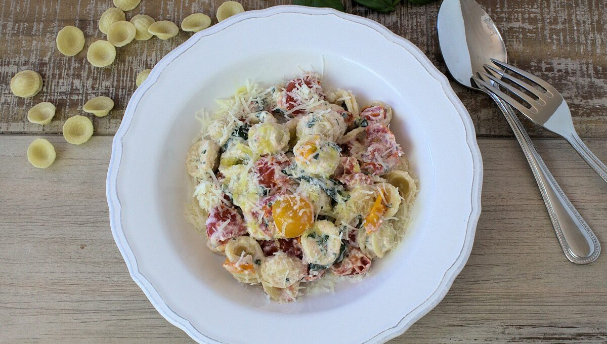 Rezept für leckere Orecchiette mit Ricotta und Tomaten