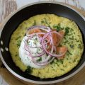 Rezept für ein Omelette mir Räucherlachs und Schnittlauch-Creme-Fraiche