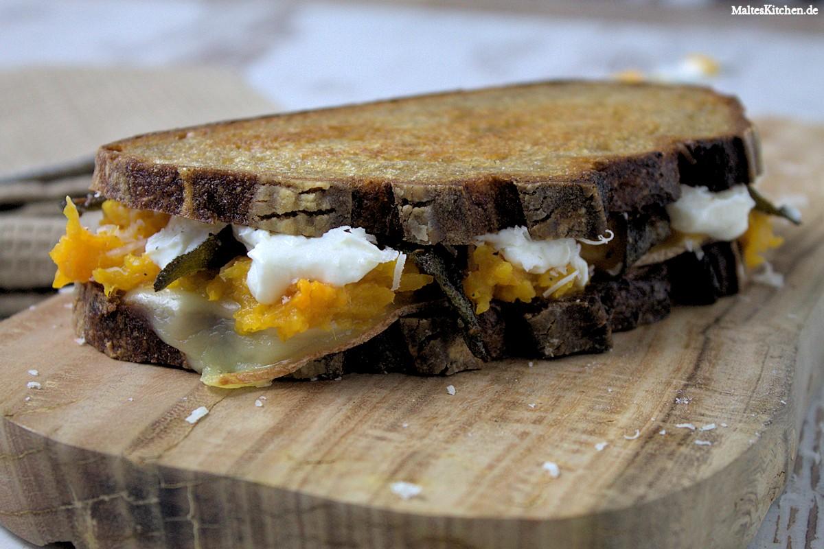 Rezept für ein Sandwich mit Butternuss Kürbis, Salbei, Ricotta