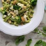 Casarecce mit Cashew-Rucola-Pesto und Feta