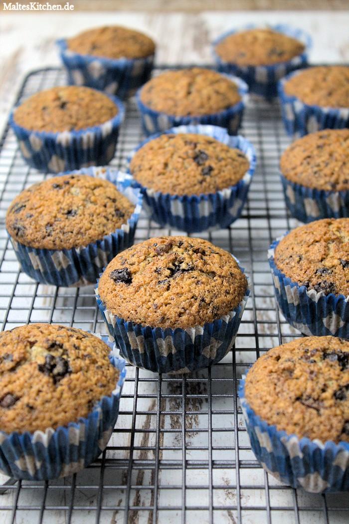 Die Muffins sollten ein paar Minuten auskühlen.