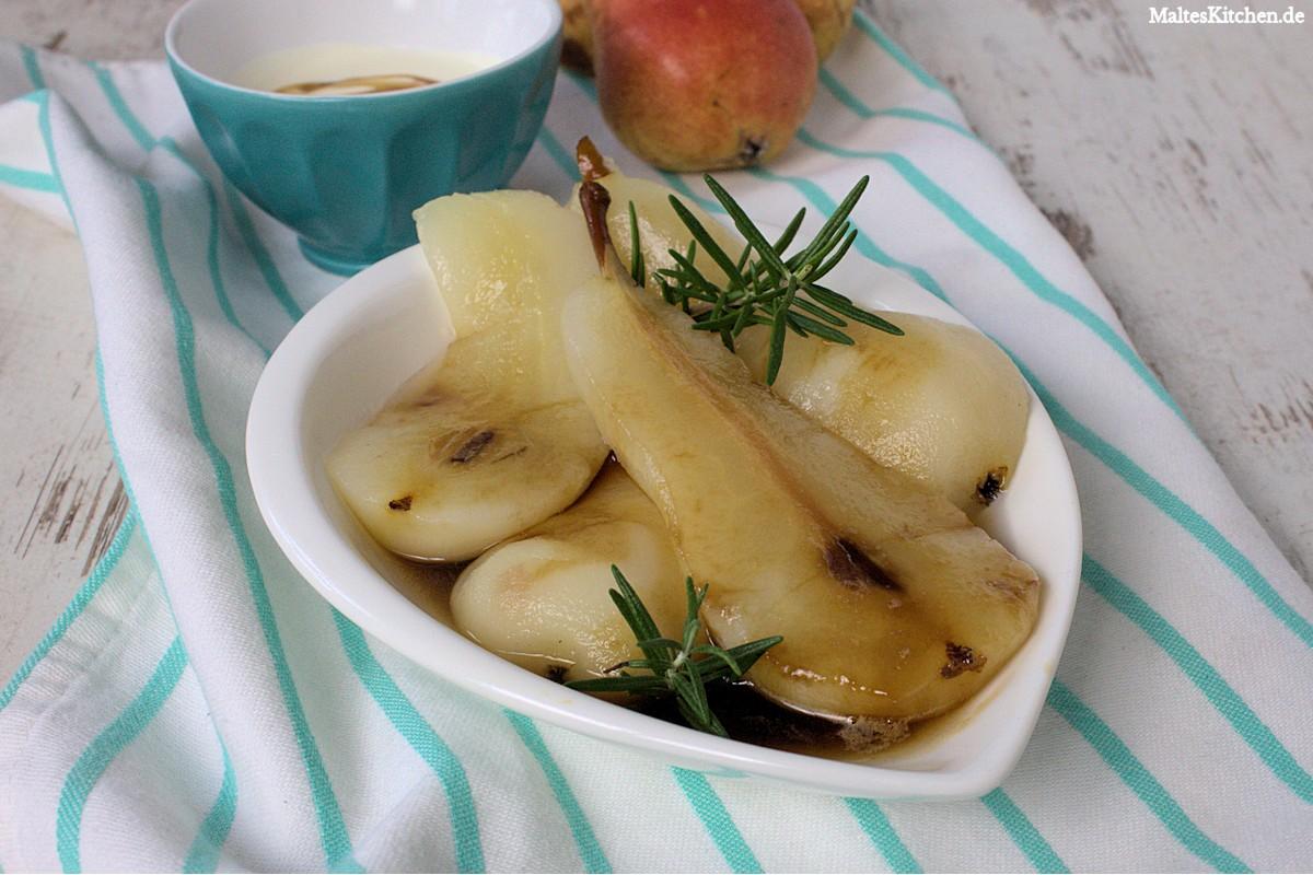 Rezept für pochierte Birnen mit Honig und Rosmarin