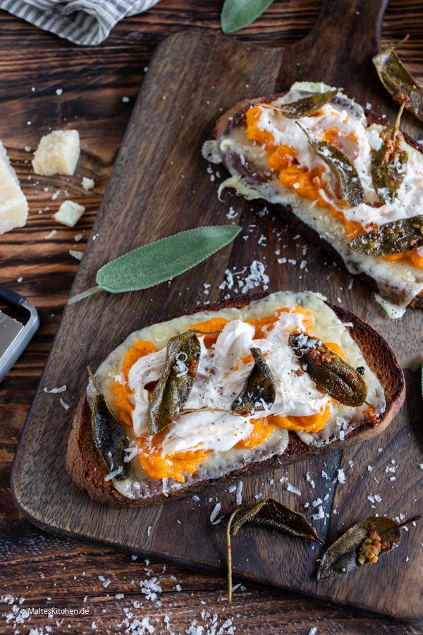 Sehr leckeres Sandwich mit Kürbis und Taleggio