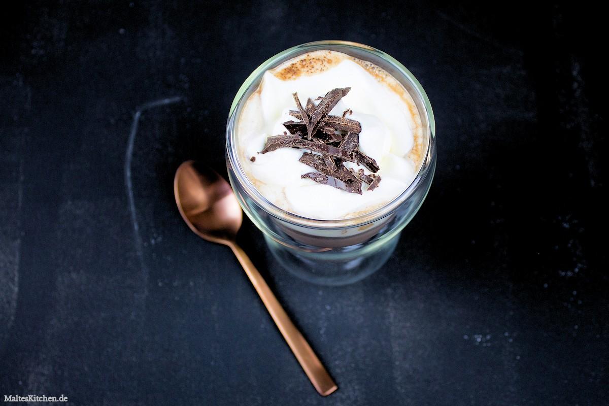Rezept für eine heiße Schokolade mit Orangen und Kardamom