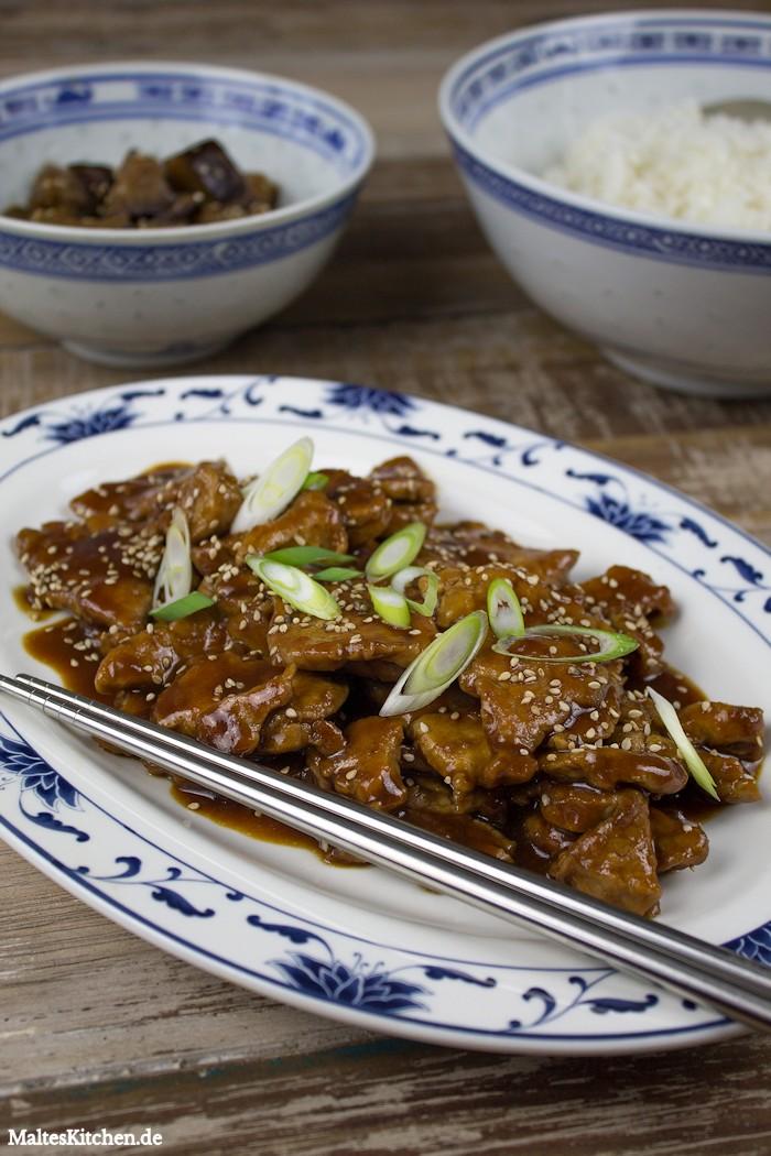 Leckeres Schweinefleisch in Peking-Sauce