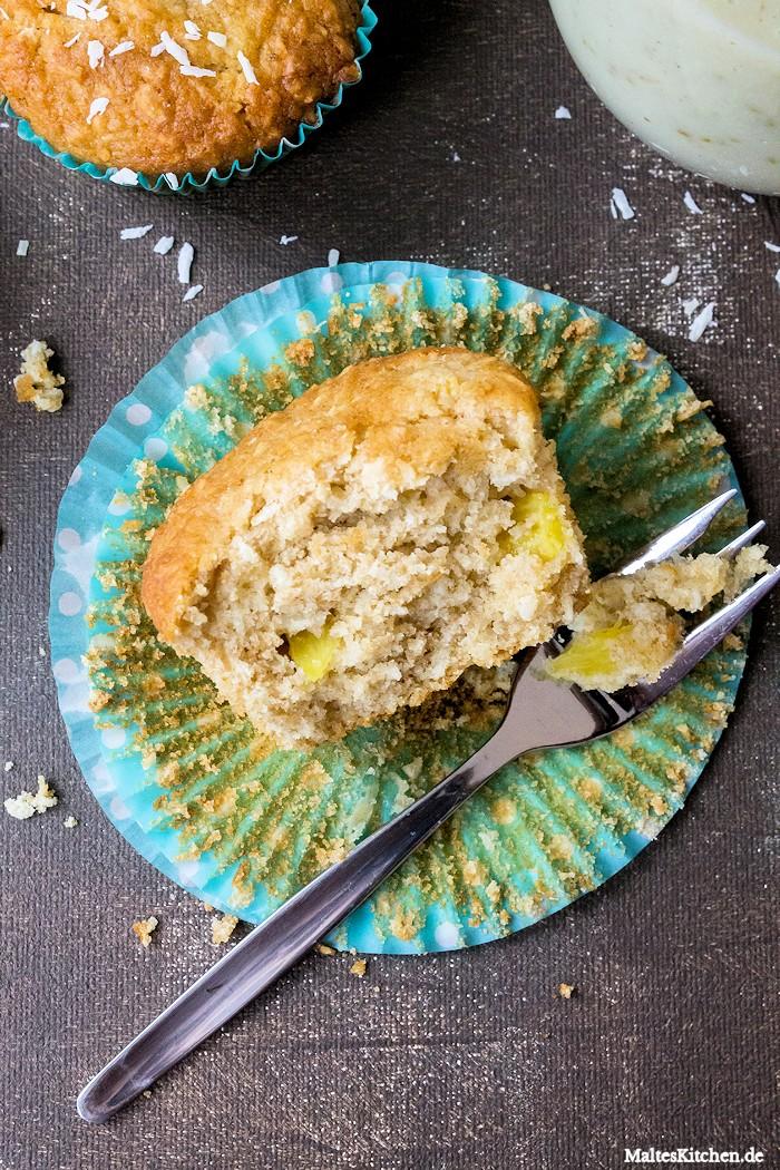 Saftige Muffins mit Ananas und Kokos