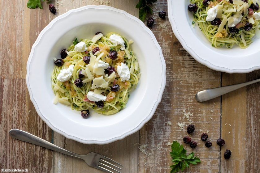 Rezept Spaghettini mit Paranuss-Petersilien-Pesto und Cranberry