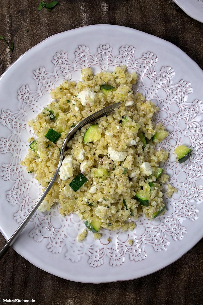 Zucchini, Feta,Minze und Bulgur