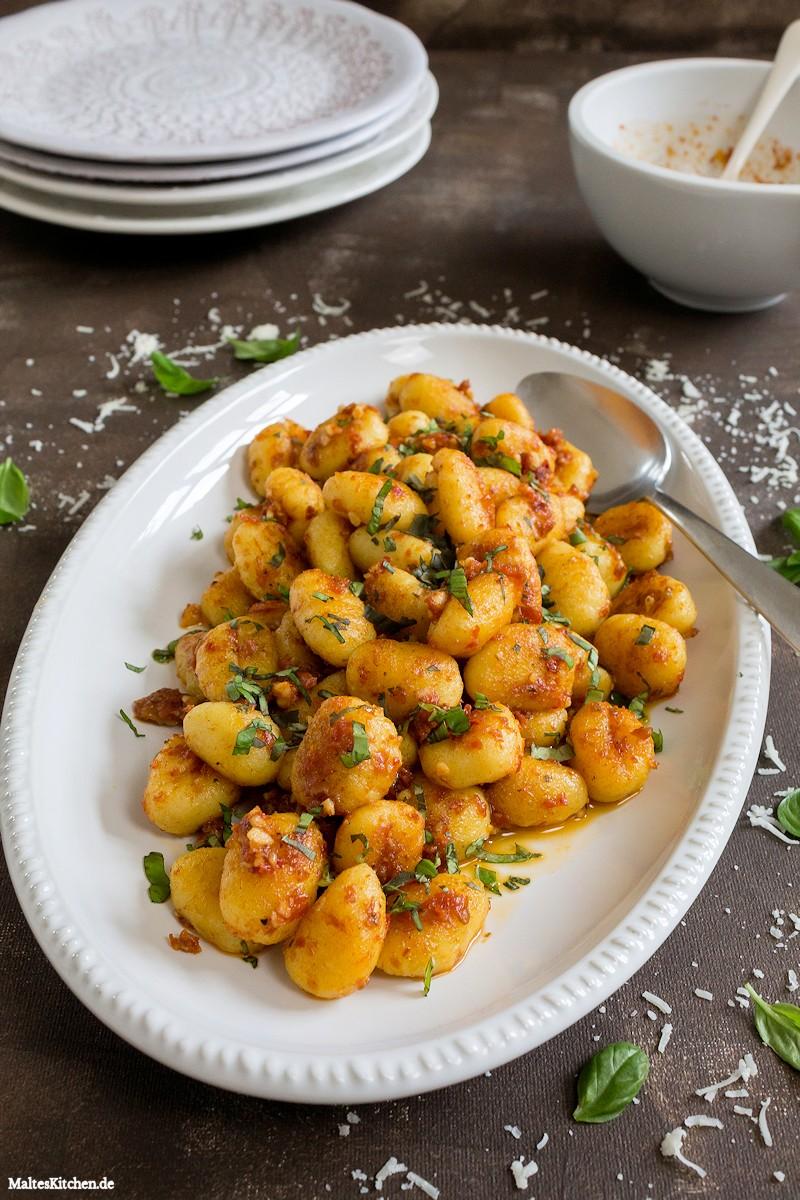 Gnocchi mit Pesto Rosso