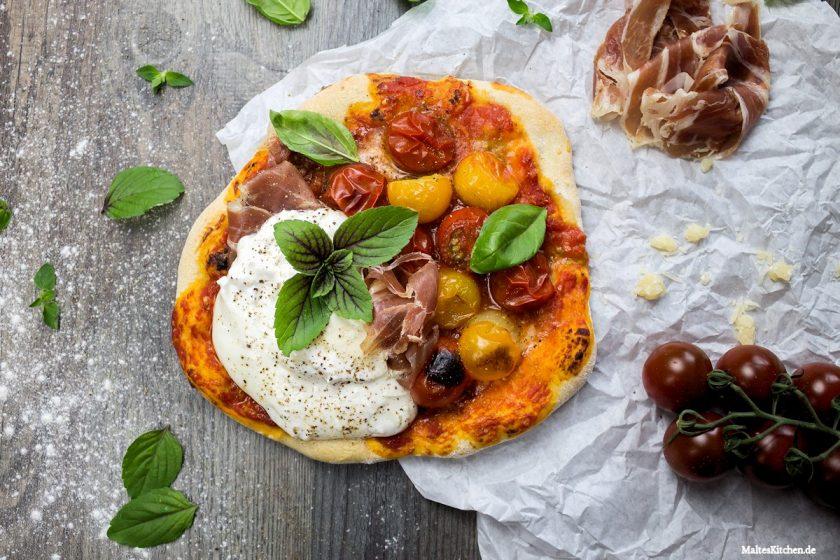 Rezept Pizza mit Burrata, Parmaschinken & Kirschtomaten