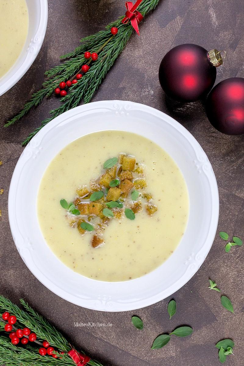 Leckere Suppe mit Apfel, Sellerie und Senf