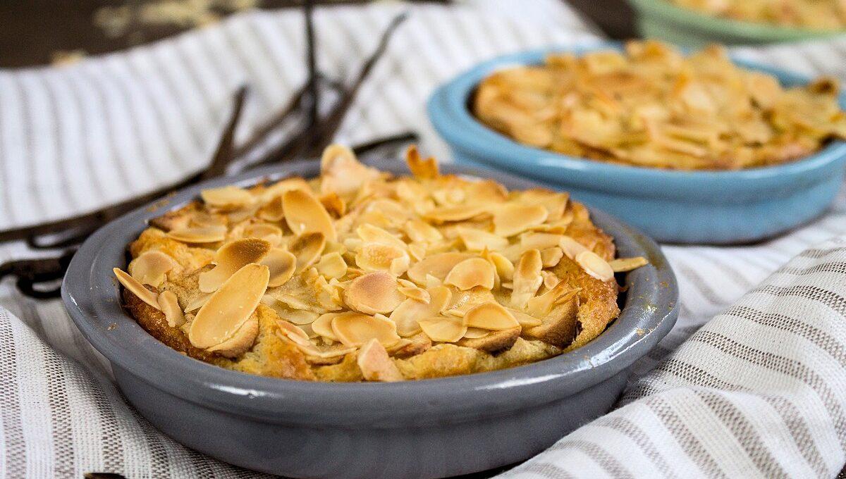 Rezept für einen Quark-Griess-Auflauf mit Äpfeln & Mandeln