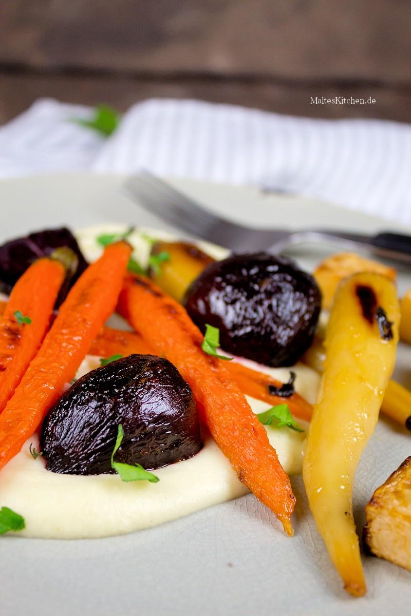Lecker karamellisiertes Gemüse und cremiges Selleriepüree